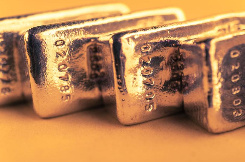 """Złoto wciąż zachowuje charakter inwestycyjnej """"bezpiecznej przystani"""" /123RF/PICSEL"""