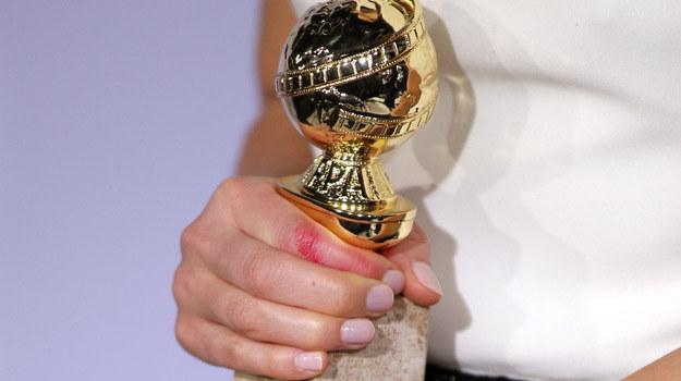 """Złoty Glob w rękach Claire Danes z serialu """"Homeland"""" /Mark Davies /Getty Images"""