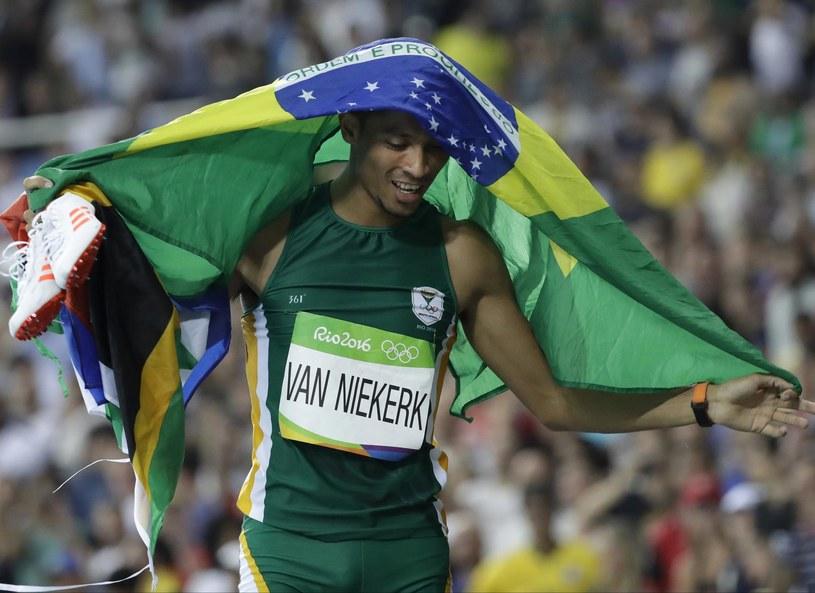Złoty medalista igrzysk olimpijskich w Rio - Wayden van Niekerk /Associated Press /East News