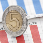 Złoty nadal traci. Euro za 4,67 zł, dolar ponad 3,96 zł