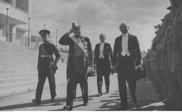 Złożenie listów uwierzytelniających prezydentowi Turcji Mustafie Kemalowi Ataturkowi przez ambasadora Polski w Turcji Michała Sokolnickiego. Zdjęcie z 1936 roku /Z archiwum Narodowego Archiwum Cyfrowego