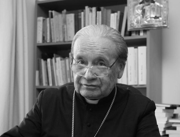 Zmarł biskup senior diecezji sandomierskiej Wacław Świerzawski /diecezjasandomierska.pl /