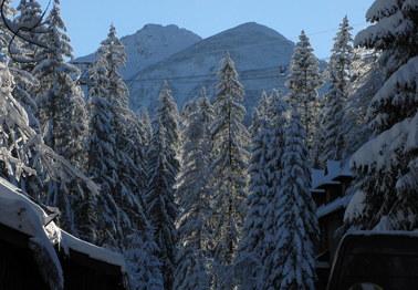 Zmarł turysta, który miał wypadek w Tatrach. Na szlakach jest bardzo ślisko!