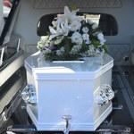 Zmarły przeleżał w łóżku dwa miesiące. Służby komunalne o nim zapomniały