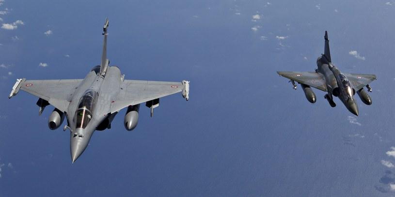 Zmasowany atak lotnictwa na bastion IS w Syrii / zdj. ilustracyjne /PAP/EPA