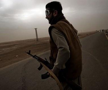 Zmasowany atak sił Kadafiego na Misratę odparty