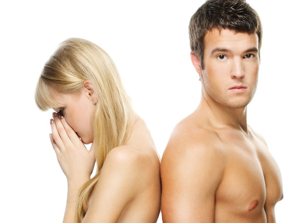 Zmęczenie obniża popęd seksualny /123RF/PICSEL