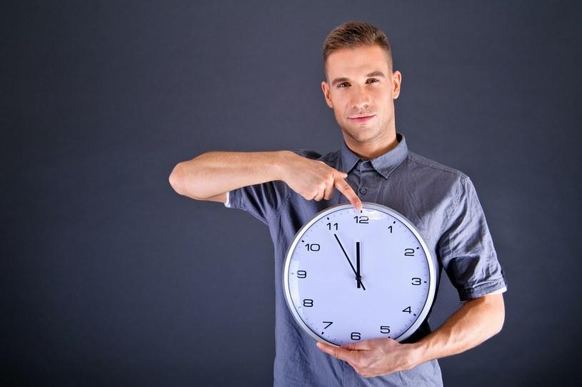 Zmiana czasu: Pracujesz w nocy - zarobisz więcej /123RF/PICSEL