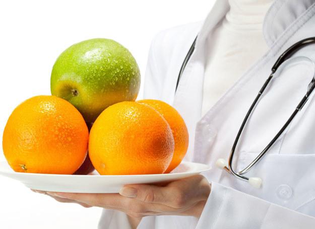 Zmiana nawyków żywieniowych na niezdrowe zwiększa ryzyko zachorowań na choroby układu krwionośnego /123RF/PICSEL