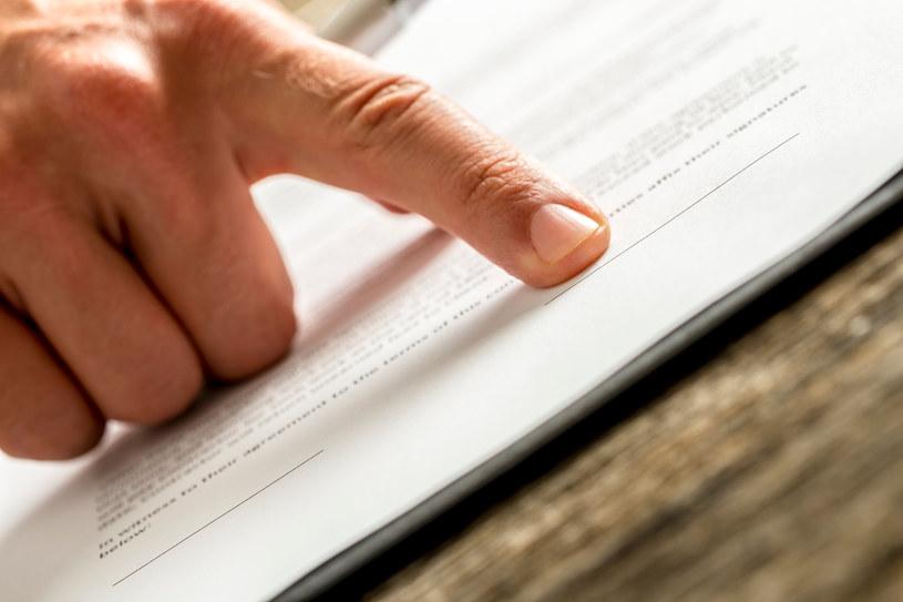 Zmiana prawa pozwoli lepiej chronić konsumentów przed nieuczicwymi sprzedawcami? /123RF/PICSEL