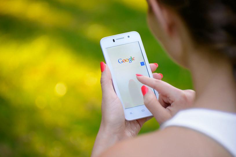 Zmiana w wyszukiwarce Google dla smartfonów /123RF/PICSEL