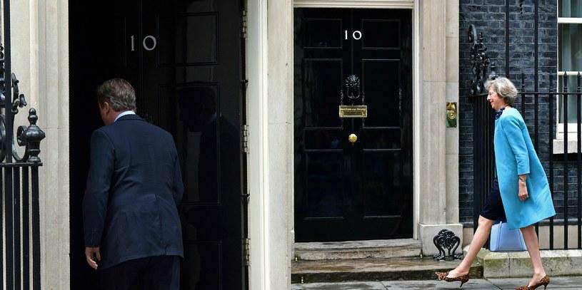 Zmiana władzy na Downing Street 10 /AFP