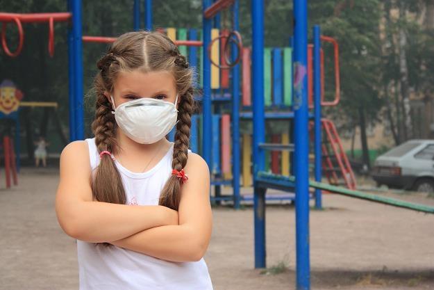 Zmiany klimatyczne groźne dla dziecI /©123RF/PICSEL