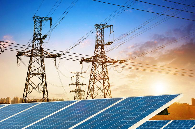 Zmiany na rynku energii wymuszają zmianę strategii w polskich spółkach energetycznych /123RF/PICSEL