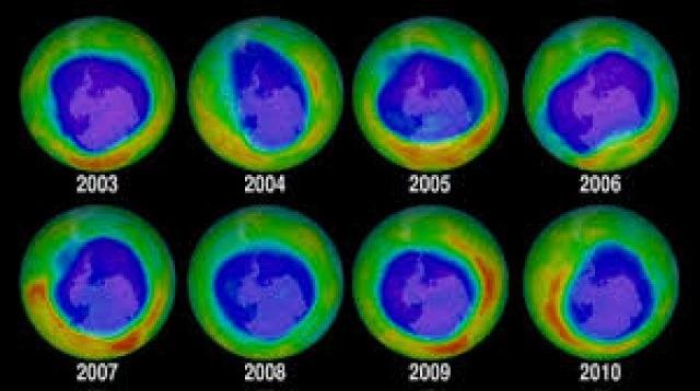 Zmiany rozmiarów dziury ozonowej w latach 2003-2010 /materiały prasowe