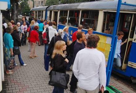 Zmiany w komunikacji miejskiej, linia zastępcza, objazdy dla samochodów... /wroclaw24.net