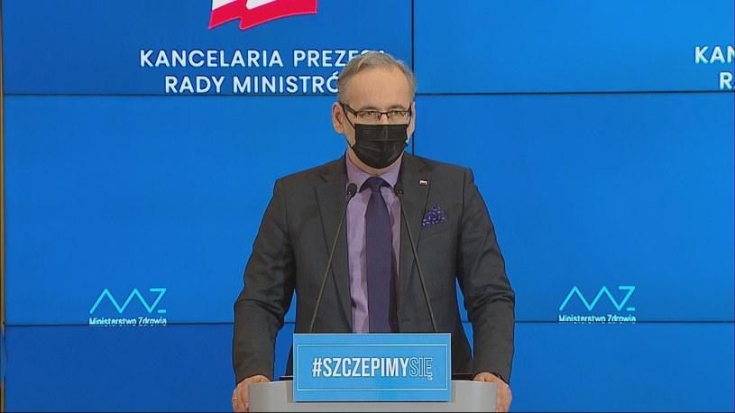Zmiany w obostrzeniach w Polsce. Minister zdrowia Adam Niedzielski podał sczególy na konferencji /Polsat News