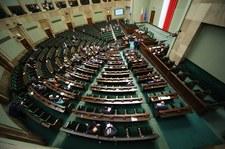 Zmiany w regulaminie Sejmu dot. obniżenia uposażenia posłów