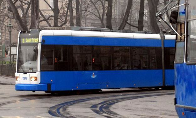 Zmiany w rozkładach jazdy mają obowiązywać od nowego roku/fot. M. Lasyk /Reporter