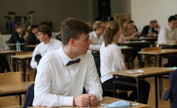 Zmiany w wymaganiach do egzaminu ósmoklasisty i matury. MEN podało szczegóły