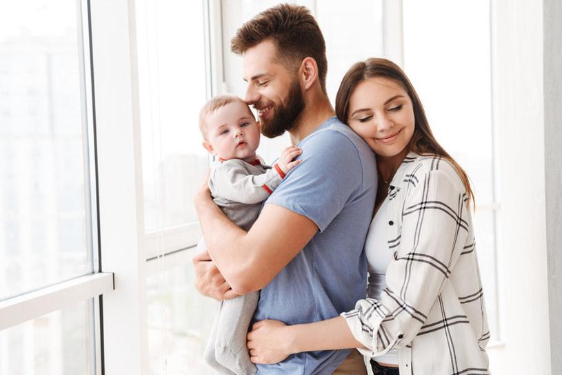 Zmienią się zasady urlopu rodzicielskiego... /123RF/PICSEL