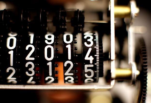 Zmieniając sprzedawcę prądu można zaoszczędzić około 150 złotych /©123RF/PICSEL