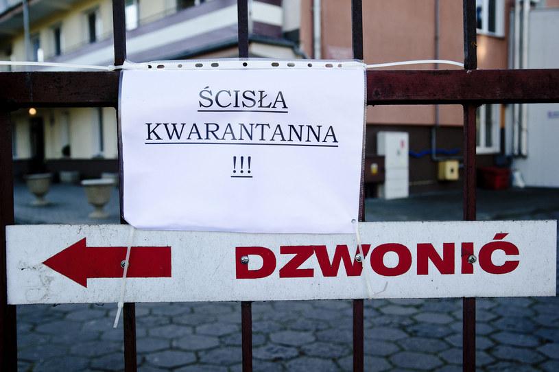 Zmieniły się zasady kwarantanny /Stanislaw Bielski /Reporter