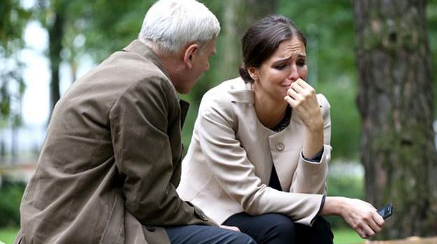 Zmienne nastroje ciężarnej Moniki (Anna Wendzikowska) dają się we znaki całemu otoczeniu. /www.mjakmilosc.tvp.pl/