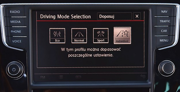 Zmienne tryby jazdy. Individual można samemu konfigurować. /Motor