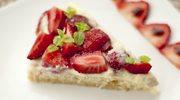 Zmysłowe smaki: Biszkopt z kremem i truskawkami