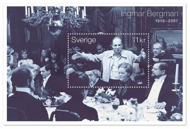 """Znaczek upamiętniający Bergmana przedstawia plan zdjęciowy z filmu """"Fanny i Alexander"""" /AFP"""
