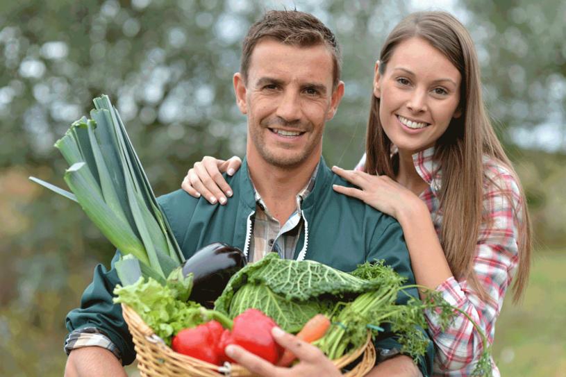Znajdź w swojej okolicy kooperatywę rolniczą. Tak najwygodniej kupować zdrowe, tanie i świeże owoce oraz warzywa prosto z pól! /123RF/PICSEL