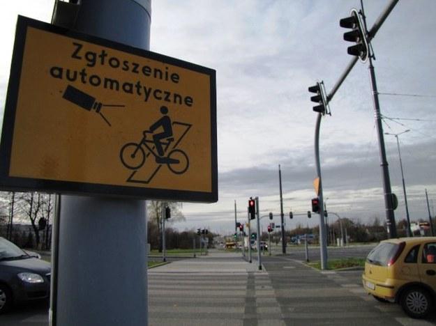 Znak informujący o ustawieniu fotoradaru /Agnieszka Wyderka /RMF FM