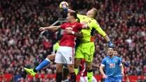Znakomity Boruc powstrzymuje Manchester United!