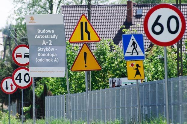 Znaków jest za dużo, przez co są nieczytelne / Fot: Łukasz Szeląg /Reporter