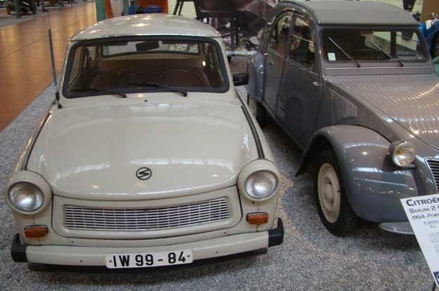 ... znalazł się również poczciwy Trabant /INTERIA.PL