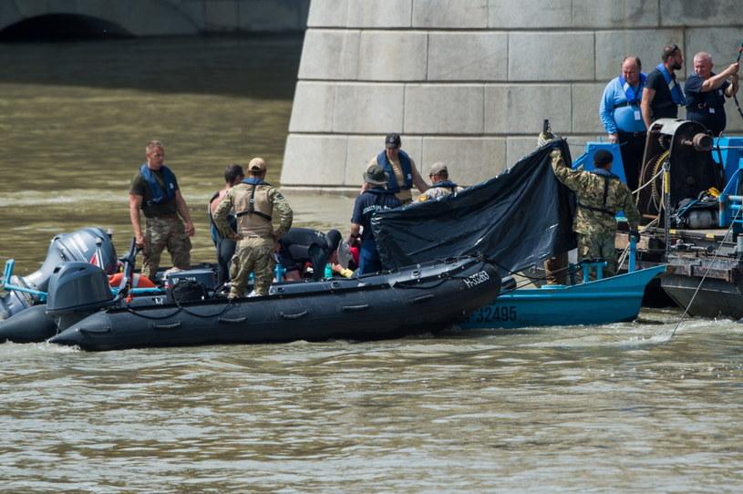 Znaleziono dwa ciała ofiar zatonięcia statku w Budapeszcie /ZOLTAN BALOGH /PAP/EPA