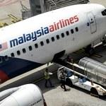 Znaleziono dwa kolejne fragmenty zaginionego samolotu Malaysia Airlines