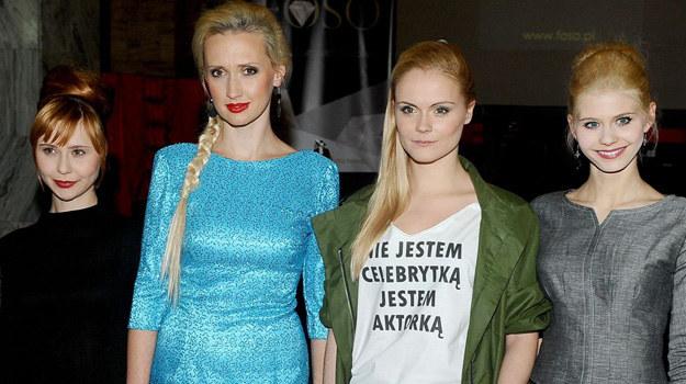 Znane z seriali aktorki z Gabrielą Oberbek na czele prezentowały się na wybiegu znakomicie. /Agencja W. Impact