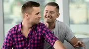 Znani polscy geje reklamują szczoteczki do zębów!