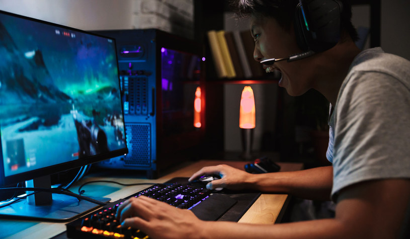 Znany streamer postanowił rozprawić się ze stereotypem fana gry Fortnite /123RF/PICSEL