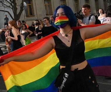 Znany streamer przeprosił za homofobiczne wpisy. Wesprze społeczność LGBTQ