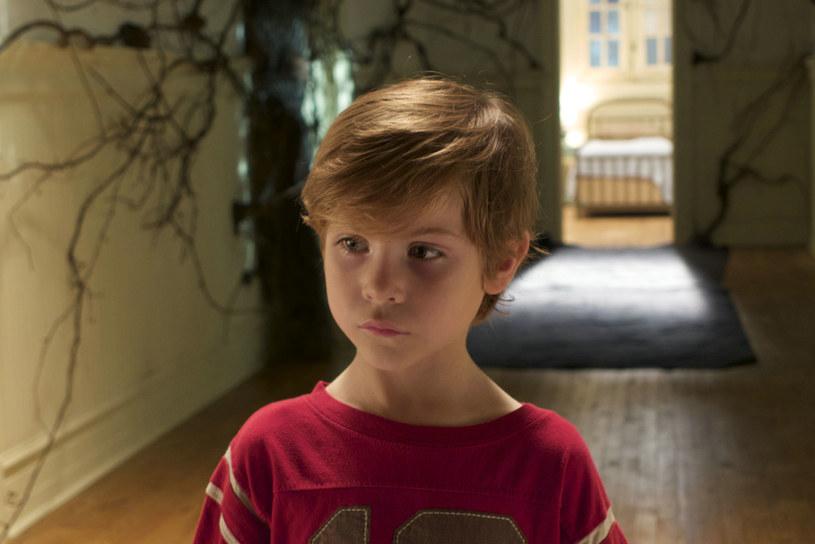 """Znany z """"Pokoju"""" Jacob Tremlay wciela się w """"Zanim się obudzę"""" w chłopca, który cierpi na straszliwą przypadłość /materiały prasowe"""