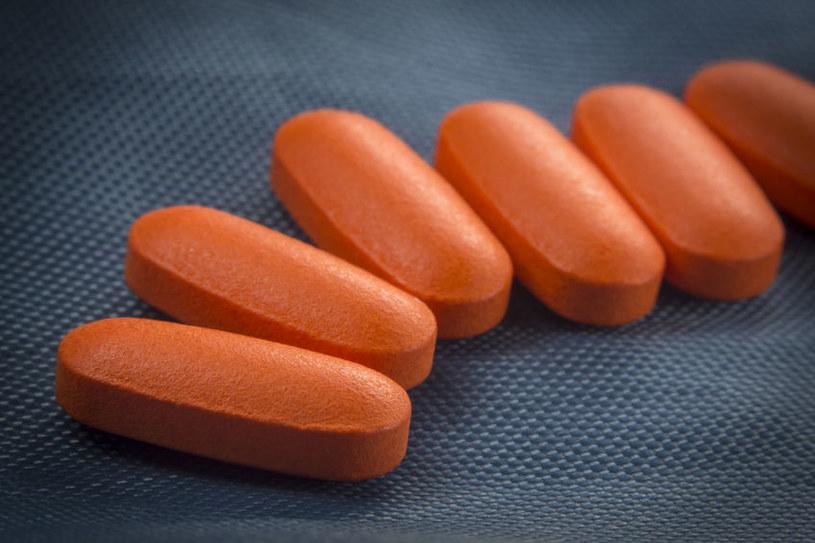 Znany z tabletek ibuprofen pojawi się w plastrach /123RF/PICSEL
