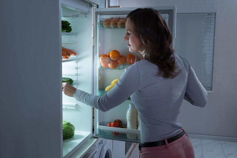 Znasz zasadę kolejki? Pozwoli ci lepiej przechowywać żywność /123RF/PICSEL