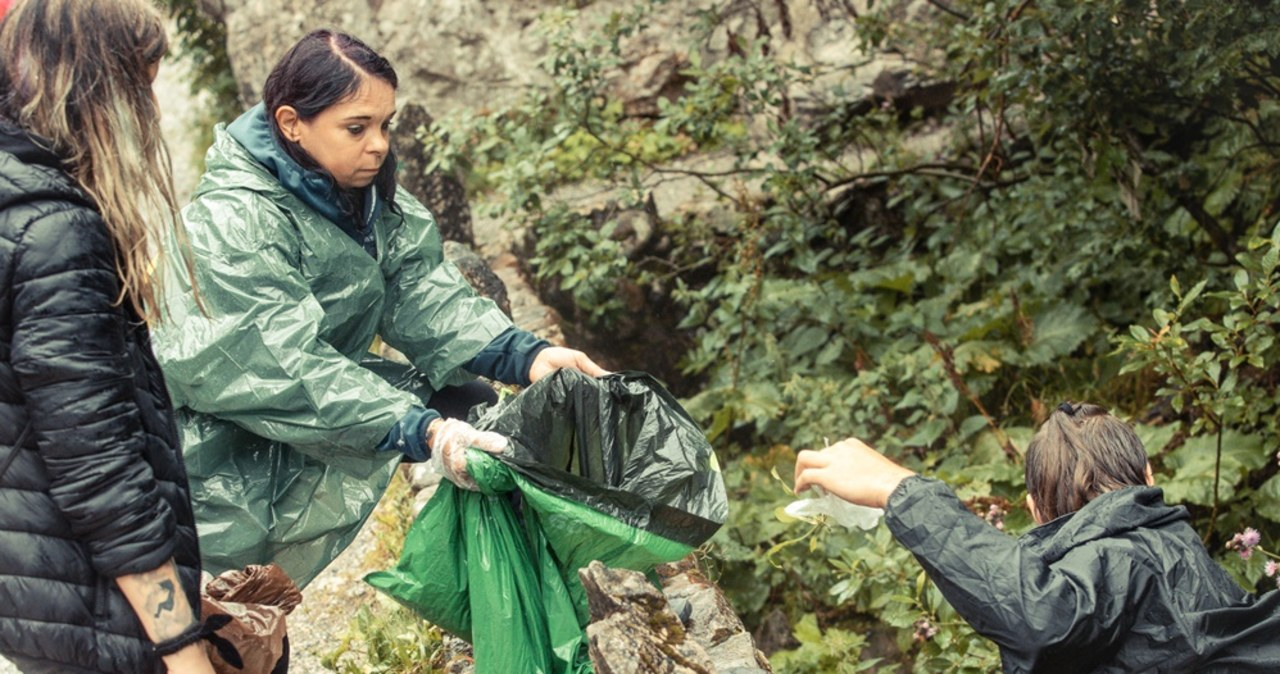 """Znieśli z gór niemal 600 kg śmieci. Podsumowanie 10. edycji akcji """"Czyste Tatry"""""""