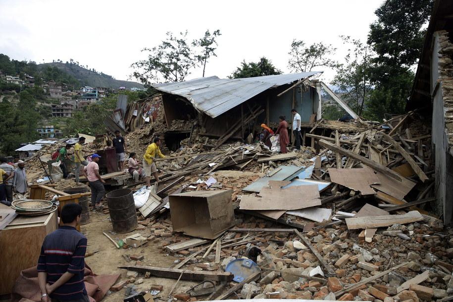 Zniszczenia na przedmieściach Katmandu /Narendra Shrestha /PAP/EPA