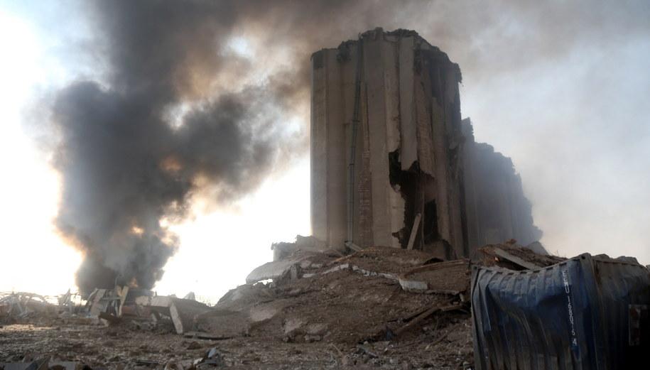 Zniszczenia po eksplozji w Bejrucie /IBRAHIM DIRANI/DAR AL MUSSAWIR /PAP/EPA