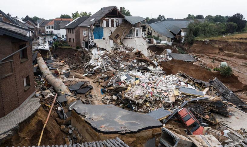 Zniszczenia po powodzi, na zdjęciu miasto Erftstadt /Sebastien Bozon / AFP /AFP