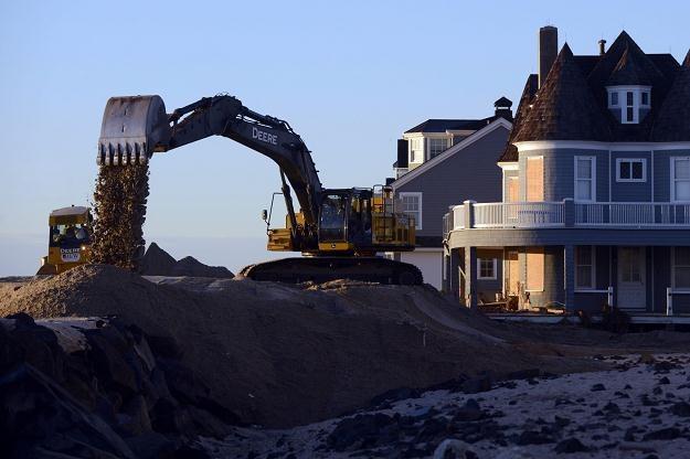Zniszczenia po przejściu huraganu Sandy /PAP/EPA
